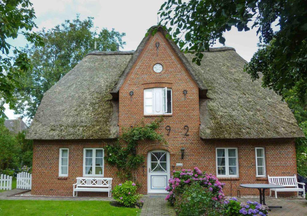 Haus im Norden mit Reetdach